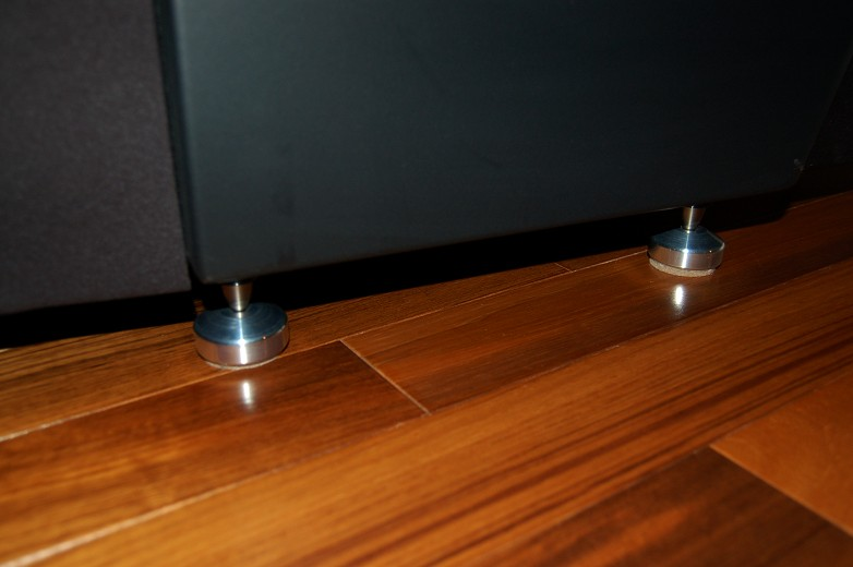 Speaker spikes hardwood floor